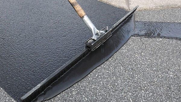 pressing asphalt